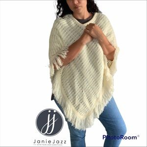 Judi Young Lovable Knits NWT 70s Cream Fringe Triangle Poncho Vintage Deadstock